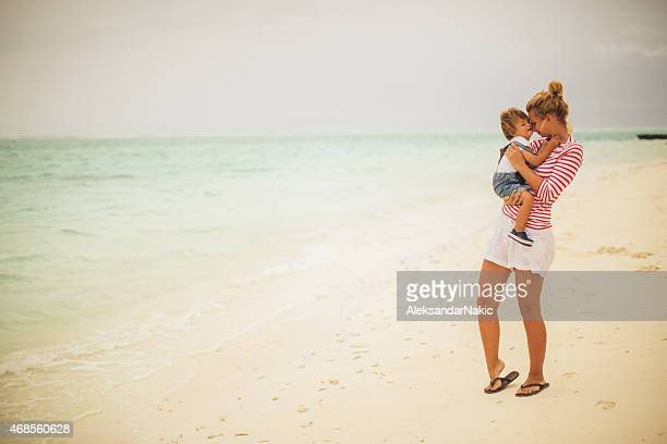 enjoying the summer time - mothers day beach stock pictures, royalty-free photos & images