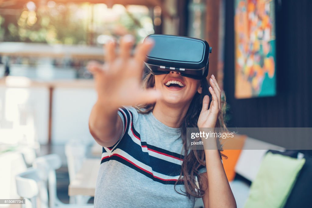 Virtual Reality-Technologie genießen : Stock-Foto