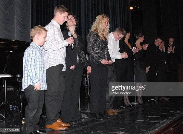 Enkel Julius Sohn Pascal Hilger Sohn Marc Marshall dessen Tochter Enkelin Mia 20 dessen Ehefrau Schwiegertochter Annette Freund von Mia Enkel Mayk...