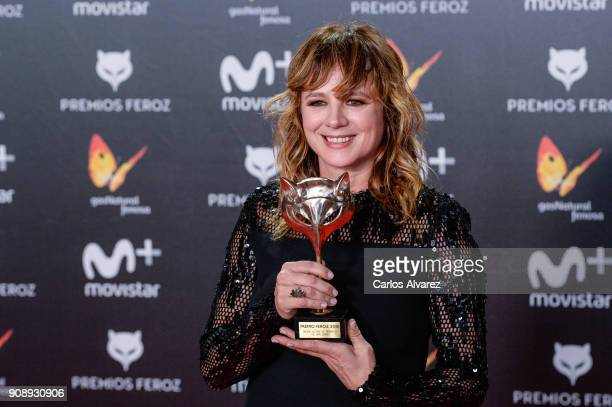 Enma Suarez receives the Best Supporting Actress Award during Feroz Awards 2018 at Magarinos Complex on January 22 2018 in Madrid Spain
