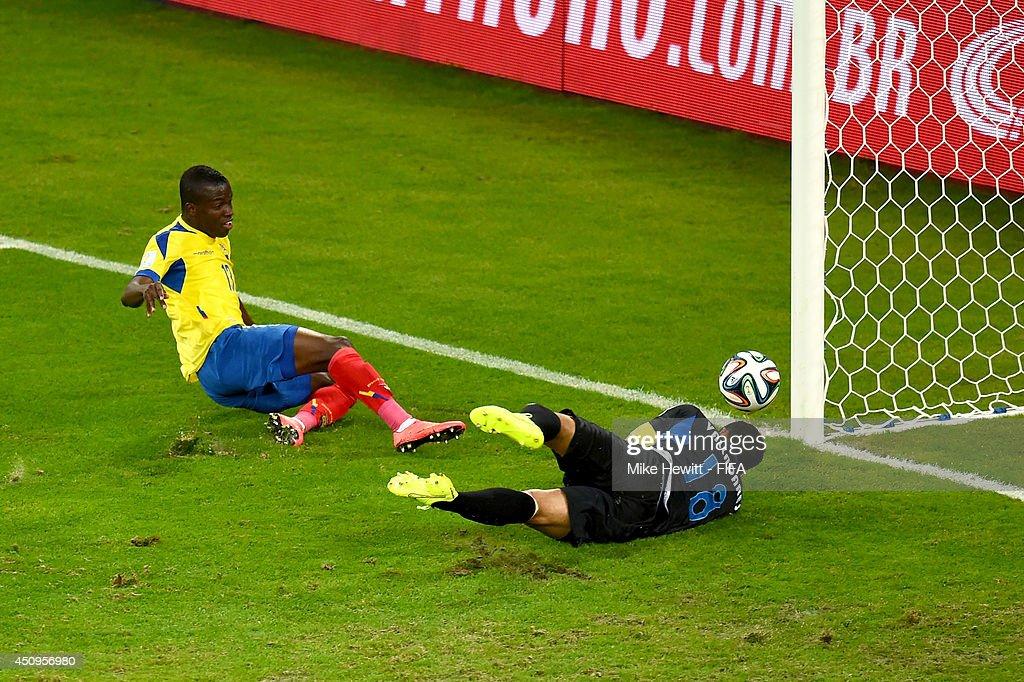 Honduras v Ecuador: Group E - 2014 FIFA World Cup Brazil : News Photo