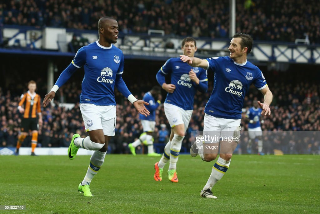 Enner Valencia of Everton (L) celebrates as he scores their second goal with Leighton Baines of Everton during the Premier League match between Everton and Hull City at Goodison Park on March 18, 2017 in Liverpool, England.