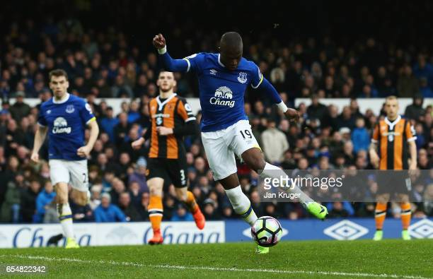 Enner Valencia of Everton scores their second goal during the Premier League match between Everton and Hull City at Goodison Park on March 18, 2017...