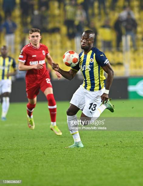 Enner Valencia of Fenerbahce during the UEFA Europa League group D match between Fenerbahce and Royal Antwerp FC at sukru Saracoglu Stadium on...