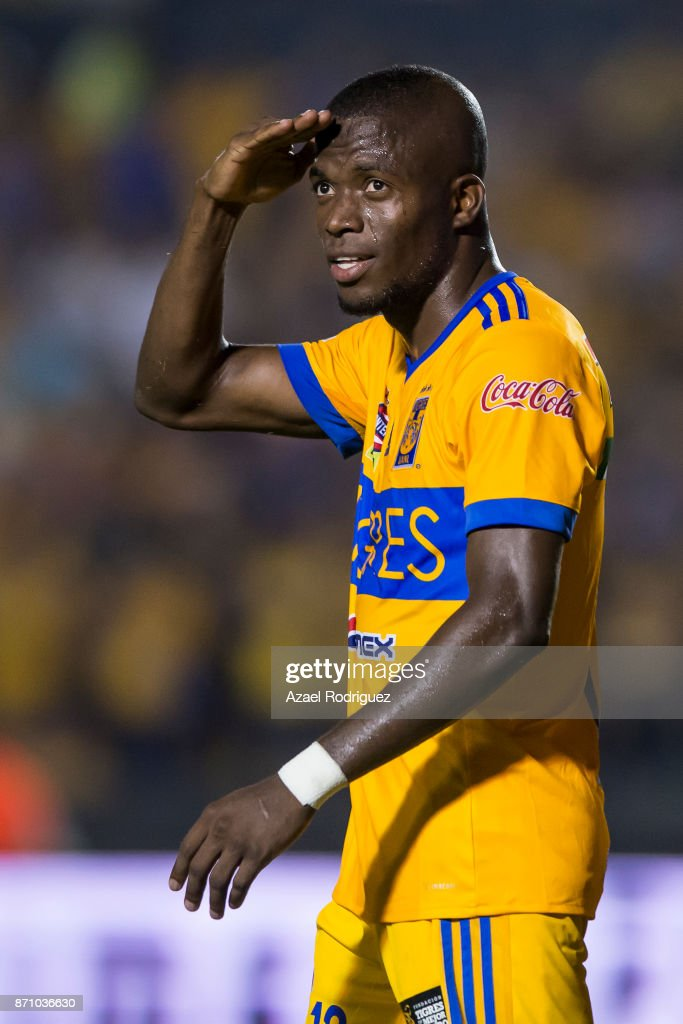 Enner Valencia of Tigres celebrates after scoring his team's first goal during the 16th round match between Tigres UANL and Necaxa as part of the Torneo Apertura 2017 Liga MX at Universitario Stadium on November 5, 2017 in Monterrey, Mexico.
