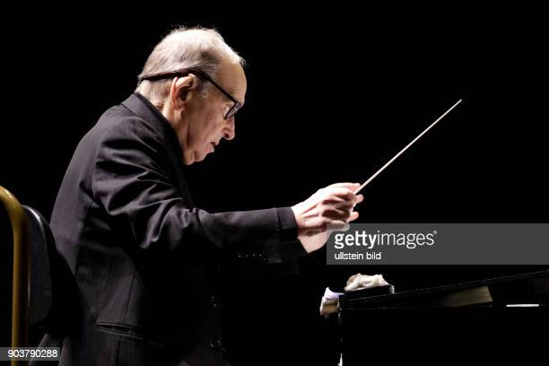 Ennio Morricone Anlässlich seines 60 jähriges Jubiläums als professioneller Komponist und Dirigent präsentiert bei seinem einzigen Deutschlandkonzert...