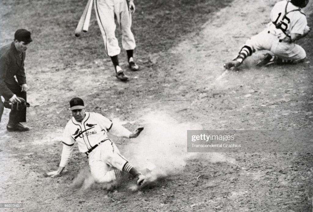 Enos Slaugher Slides Home 1946 World Series : News Photo