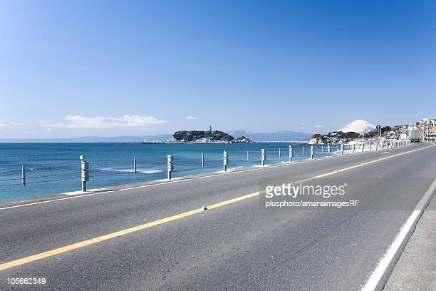 enoshima island and mt. fuji - plusphoto stock pictures, royalty-free photos & images