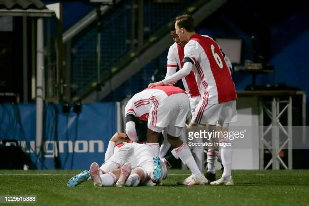 Enric Llansana of Ajax U23 celebrates 2-3 with Naci Unuvar of Ajax U23, Jaymillio Pinas of Ajax U23, Youri Regeer of Ajax U23 during the Dutch Keuken...