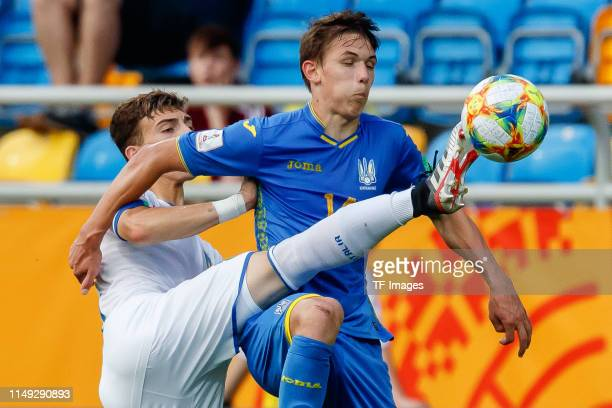 Enrico Del Prato of Italy and Danylo Sikan of Ukraine battle for the ball during the 2019 FIFA U20 World Cup Semi Final match between Ukraine and...