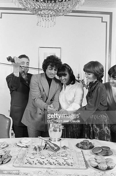Enrico Macias Celebrates With Family The 17th Bithday Of His Daughter Jocya. Le 28 fevrier 1980, le chanteur Enrico MACIAS et son épouse Susy...