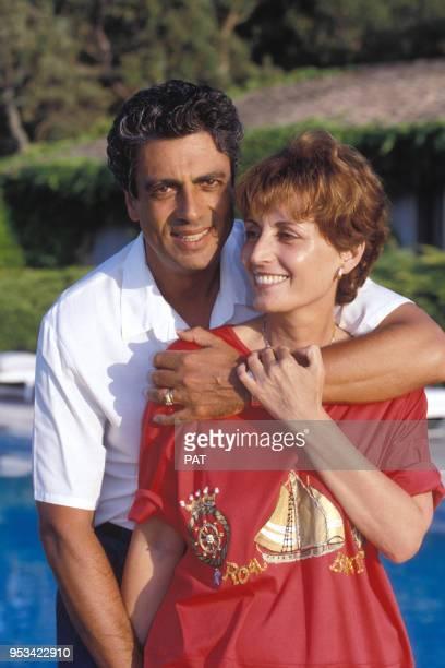 Enrico Macias et son épouse Suzy sur la Côte d'Azur en juillet 1991 France