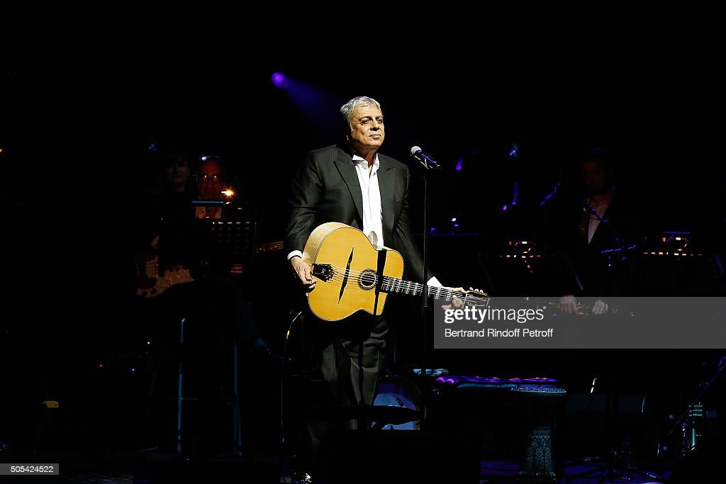 Enrico Macias Performs At L'Olympia in Paris : News Photo