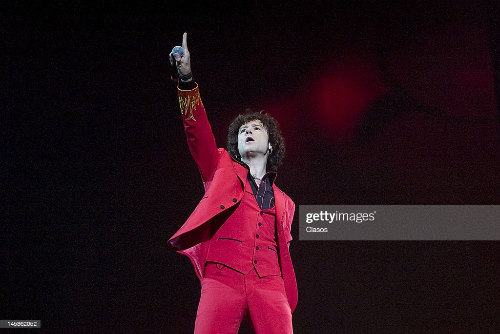 Enrique Bunbury sings during the Wirikuta Fest at Foro Sol on May 26, 2012 in Mexico City, Mexico.