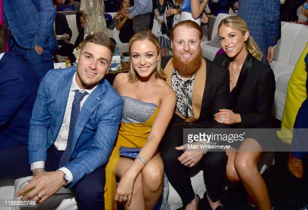 Enrique Hernandez Mariana Vicente Justin Turner and Kourtney Pogue attend the 5th Anniversary Los Angeles Dodgers Foundation Blue Diamond Gala at...