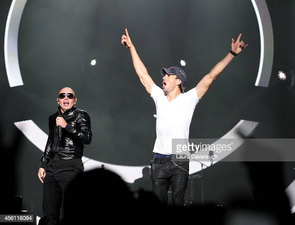 Enrique Iglesias And Pitbull In Concert New York Ny Photos And Images Getty Images