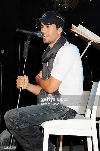 Enrique Iglesias performs at the Lucian Grainge VIP Party on June 15 2010 in London England