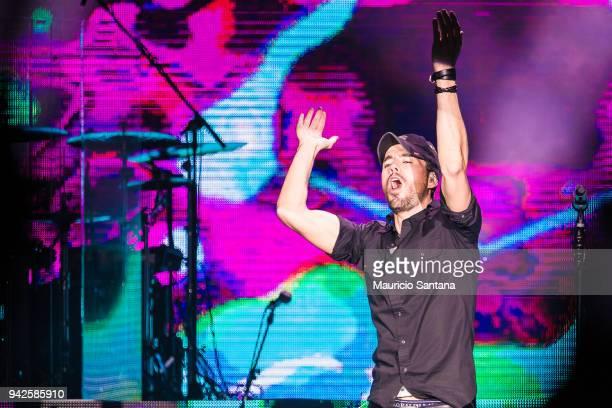 Enrique Iglesias performs live on stage at Espaco das Americas on April 5 2018 in Sao Paulo Brazil