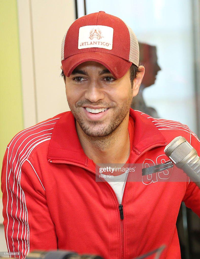 "Enrique Iglesias Visits ""The Elvis Duran Z100 Morning Show"" : News Photo"