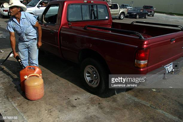 54 Texaco Gulf Pictures, Photos & Images - Getty Images