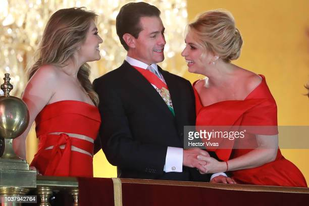 Enrique Peña Nieto President of Mexico gestures as his wife Angelica Rivera and stepdaughter Sofia Castor smile children during the Mexico...
