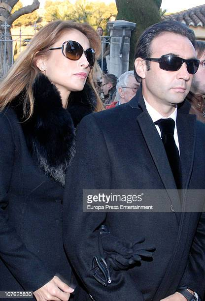 Enrique Ponce and Paloma Cuevas attend the funeral service for Enrique Morente on December 15, 2010 in Granada, Spain.