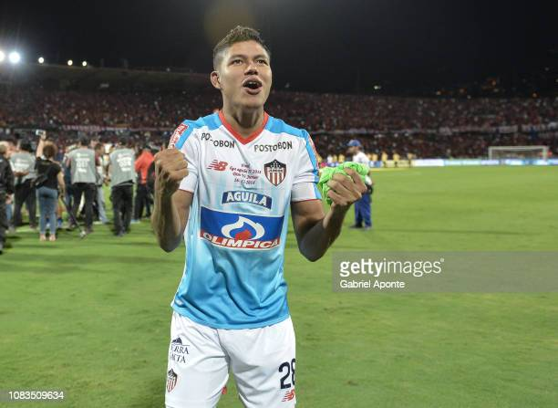 Enrique Serje of Junior celebrates winning the Torneo Clausura Liga Aguila 2018 after the second leg final match of the Torneo Clausura Liga Aguila...