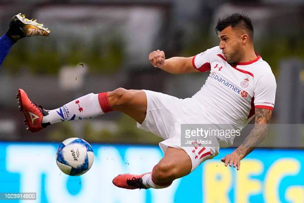 Enrique Triverio of Toluca in action during the 6th round match between Cruz Azul and Toluca as part of the Torneo Apertura 2018 Liga MX at Azteca...