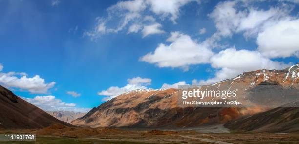 enroute - manali leh highway - the storygrapher stock pictures, royalty-free photos & images