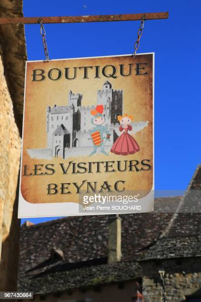 Enseigne de boutique à Beynac en Périgord Noir 30 octobre 2016 Dordogne France
