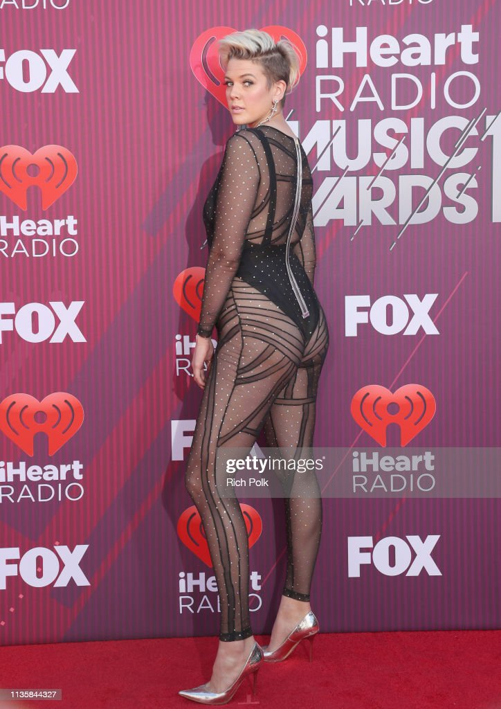 2019 iHeartRadio Music Awards - Red Carpet : News Photo