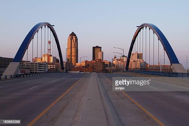 Enter Des Moines