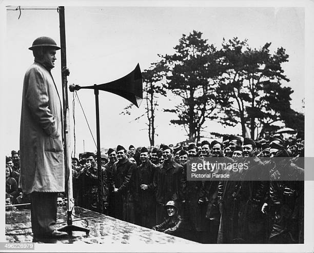 Entertainer and comedian Bob Hope on stage entertaining the troops during World War Two England circa 19411945