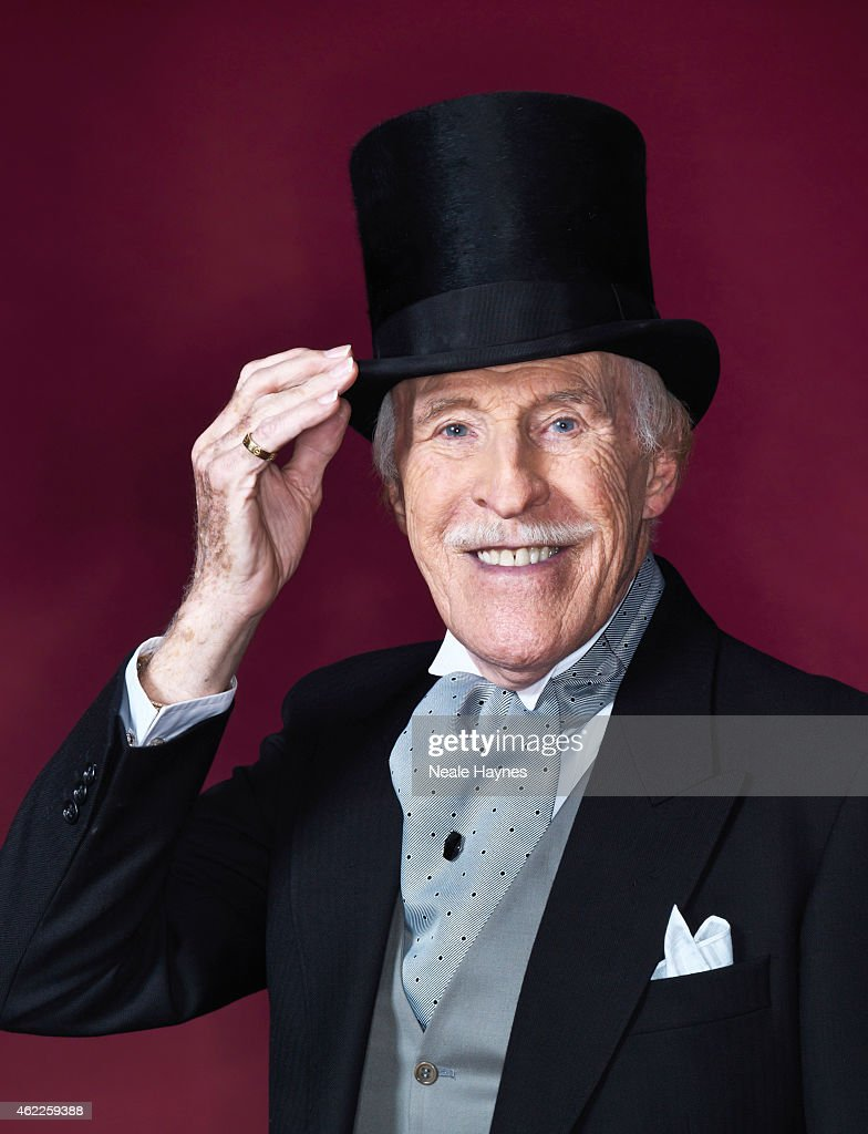 Bruce Forsyth, Daily Mail Weekend UK, December 27, 2014