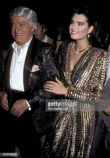 Entertainer Bob Hope and actress Brooke Shields attend the Taping of the NBC Television Special 'Bob Hope's Bagful of Christmas Cheer' on November 30...
