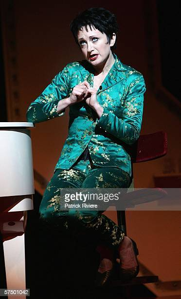 Entertainer Caroline O'Connor performs during a media call for the stage production of End Of The Rainbow at the Theatre Royal on May 1 2006 in...