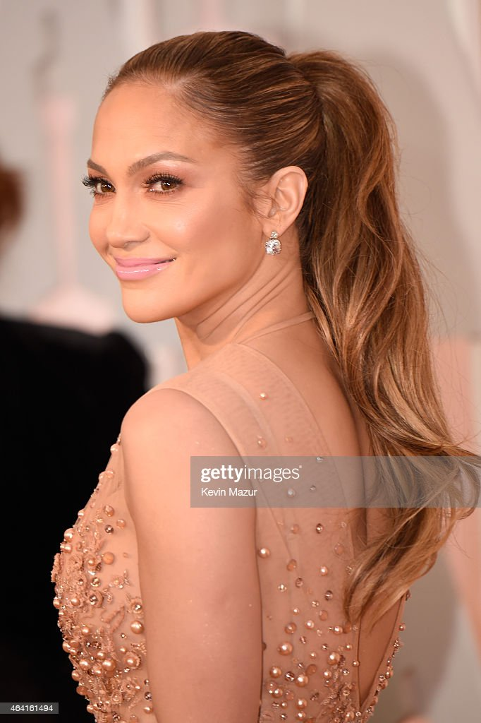 Entertainer Jennifer Lopez attends the 87th Annual Academy Awards at Hollywood & Highland Center on February 22, 2015 in Hollywood, California.