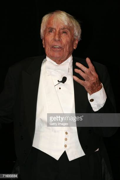 Entertainer Johannes Heesters performs on stage following the premiere of the play Die Dreigroschenoper at the Admiralspalast August 11 2006 in...