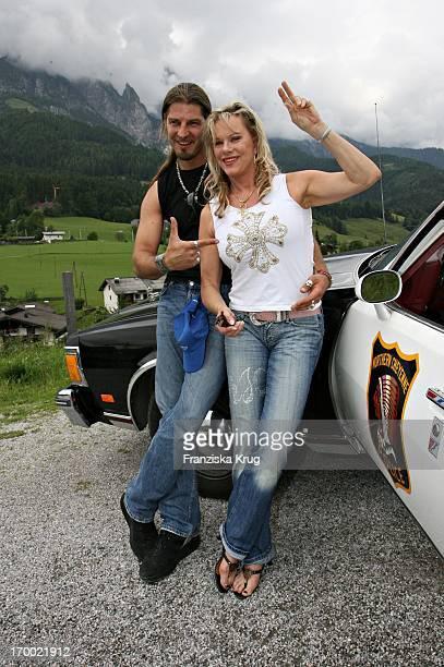 Entertainer Lisa Fitz at friend Peter Knirsch When big border traffic in Leogang in 230606