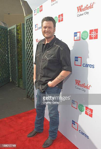 Entertainer of the Year and coach on NBC's hit TV show The Voice Blake Shelton joins jcpenney at Westfield Culver City to wrap up the jcp Holiday...