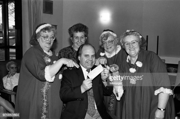 Entertainers from The Midways perform for patients at Kirkwood Hospice Dalton 16th December 1991