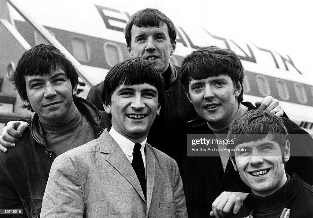 Entertainment 27th May 1965. Pop Group 'The Animals' at London Airport before departing for New York with new member Dave Rowberry (in light jacket). : News Photo