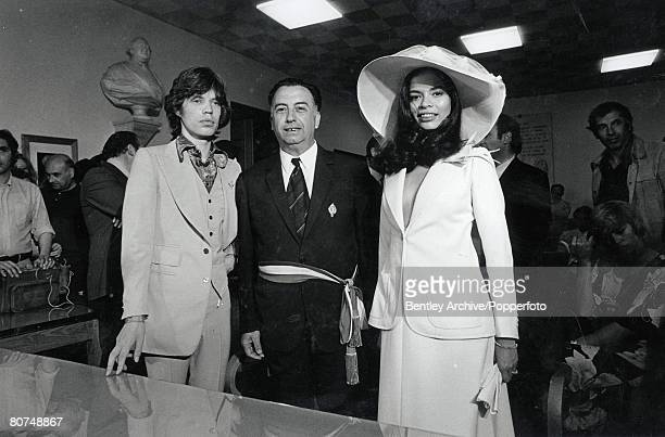 Entertainment Music St Tropez France 12th May 1971 Rolling Stones lead singer Mick jagger stand next to his Nicaraguan bride Bianca Perez Moreno De...