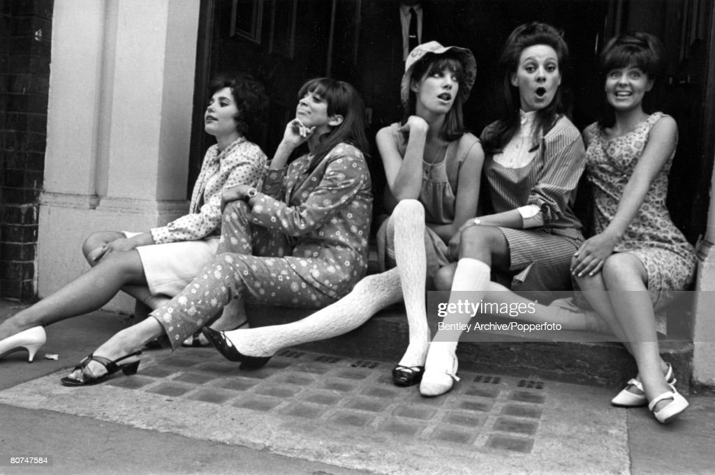 "Entertainment Personalities. London. 29th June 1965. Five hopeful young women about to start rehearsals for West End roles in ""Passion Flower Hotel"", L-R: Karin Fernald, Jean Muir, Jane Birkin, Francesca Annis and Pauline Collins. : News Photo"