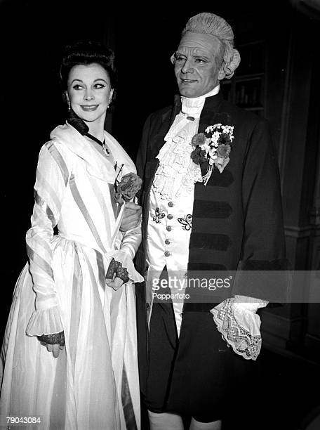Entertainment Stage Theatre England January 1949 British actors and husband and wife Vivien Leigh and Sir Laurence Olivier on the first night of the...
