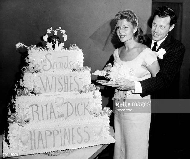 Entertainment USA 24th September 1953 Actress Rita Hayworth marries her fourth husband Singer Dick Haymes at the Sands Hotel Rita and Dick cut into a...
