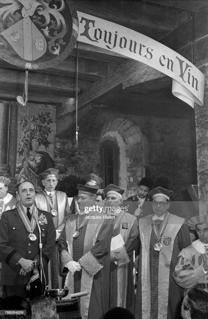 Enthroning of American Army General and Supreme Allied Commander, NATO, Lyman Lemnitzer into the Confrerie des Chevaliers du Tastevin at Chateau du Clos de Vougeot.
