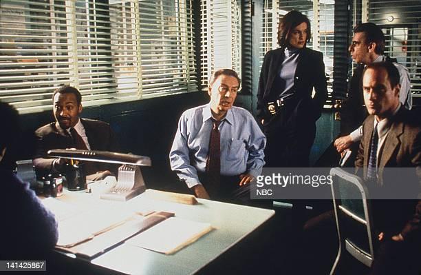 UNIT 'Entitled' Episode 15 Pictured Jesse L Martin as Detective Ed Green Jerry Orbach as Detective Lennie Briscoe Mariska Hargitay as Detective...