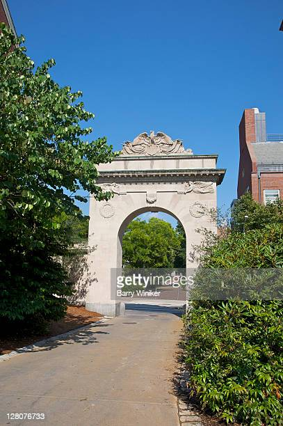 entrance arch to campus of brown university, providence, rhode island - brown imagens e fotografias de stock