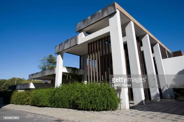 entrance, centro de arte moderna (center of modern art), sao sebastiao. - arte stock photos and pictures
